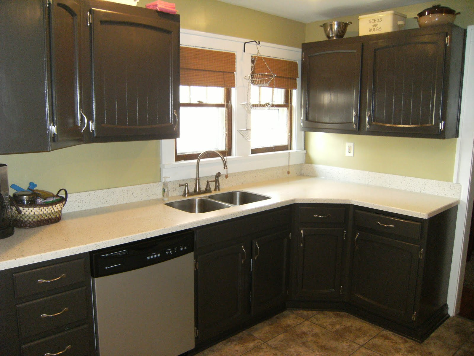 White And Black Painting Kitchen Countertops Ideas (Image 9 of 10)