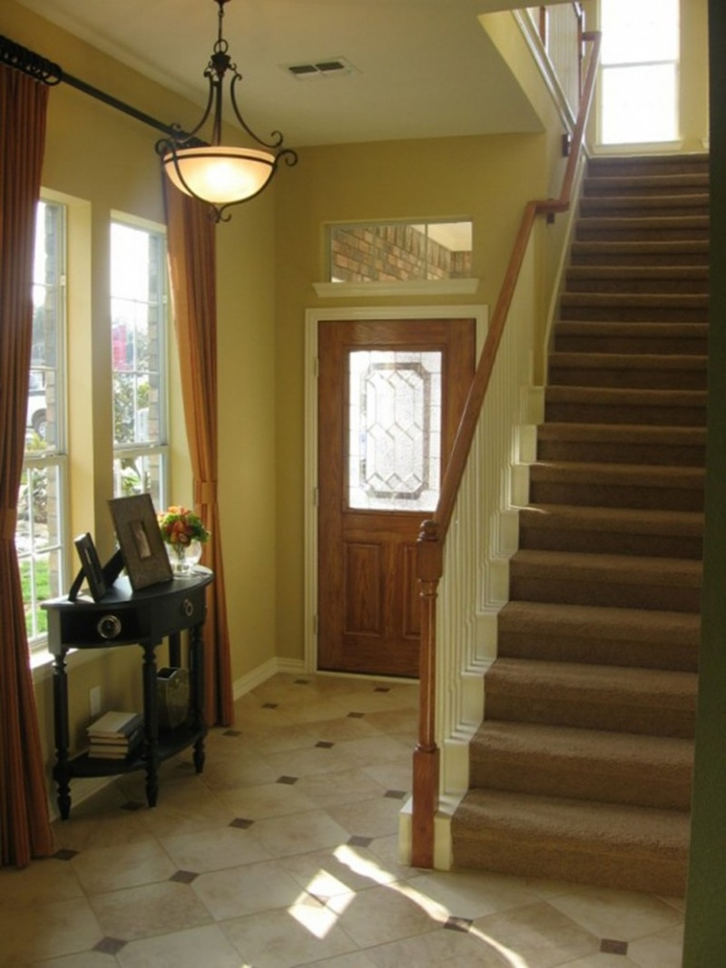 Small Entryway Decor Ideas (View 1 of 10)