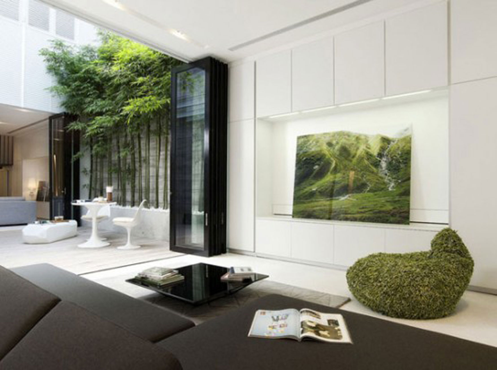 Green Living Area Modern Home Decor Las Vegas (Image 3 of 10)