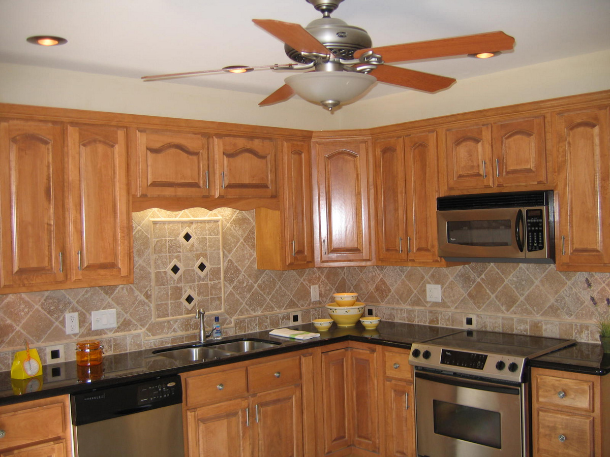Impressive Brown Tile Designs For Backsplash (Image 4 of 10)