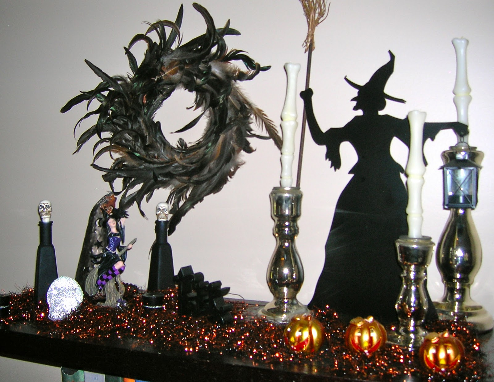 Spooky Halloween Decorating Ideas For Your Stylish Home (Image 7 of 10)
