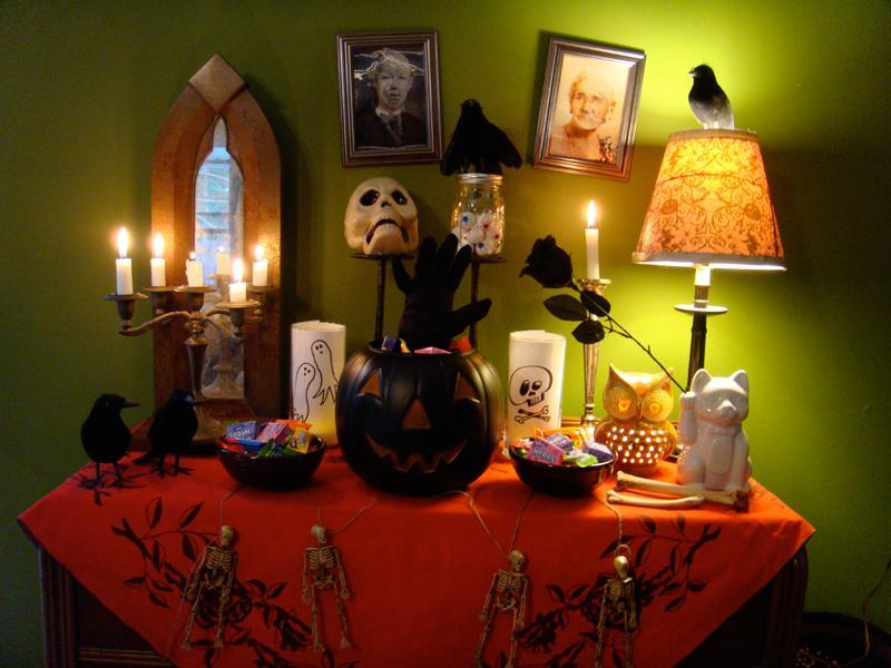 Featured Image of Creepy Halloween Home Decorating Ideas