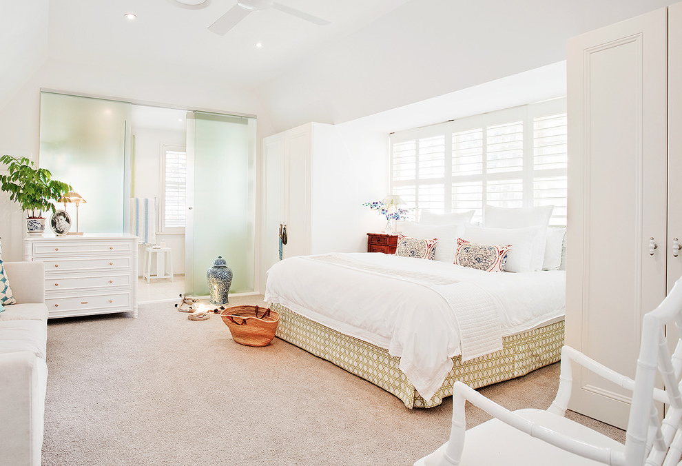 Beach Style White Bedroom Interior (View 15 of 22)