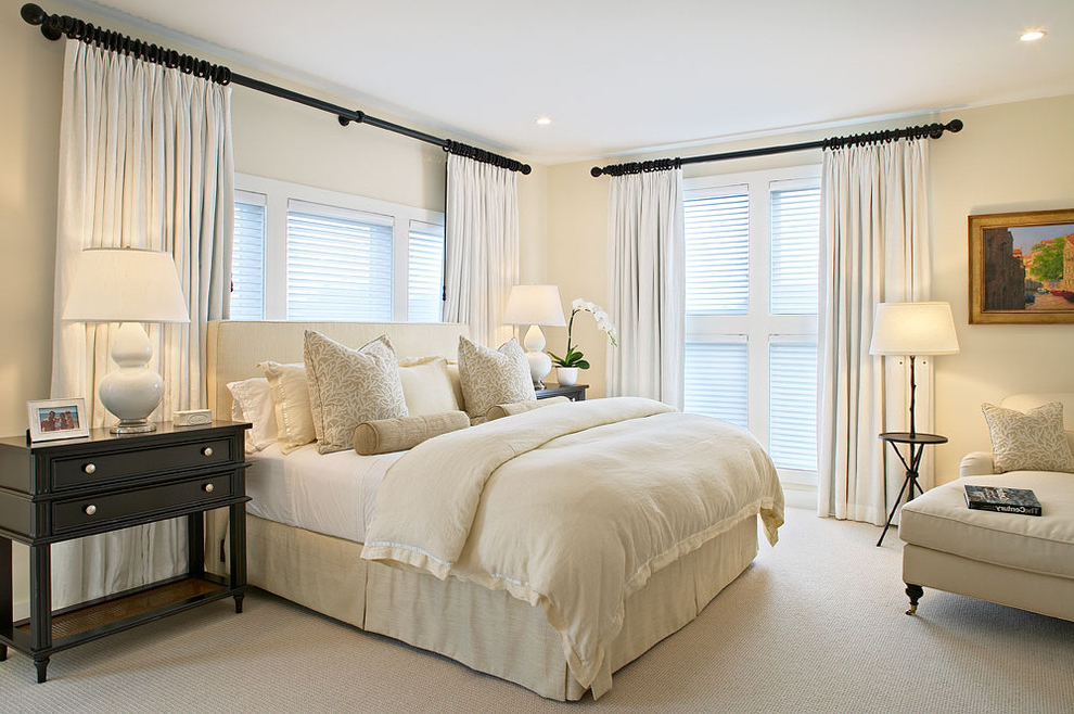 Comfy White Bedroom In Classic Decoration (Image 7 of 22)
