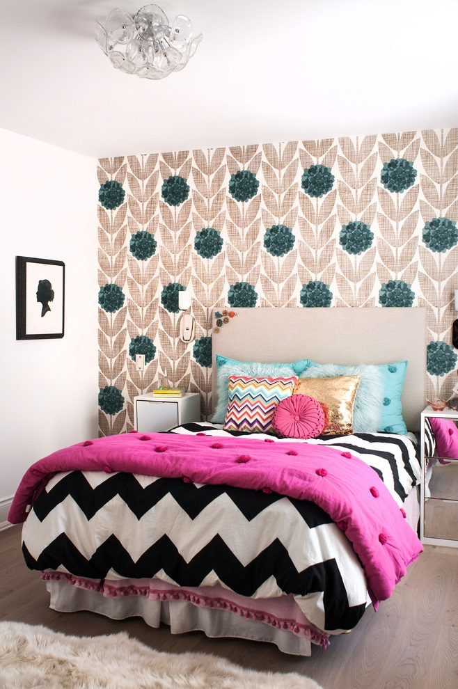 Modern Girl Bedroom in Black and White Decor