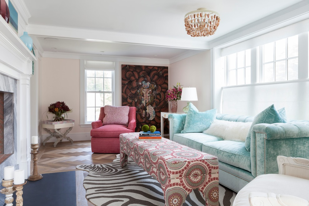 Stylish Formal Living Room in Colorful Theme