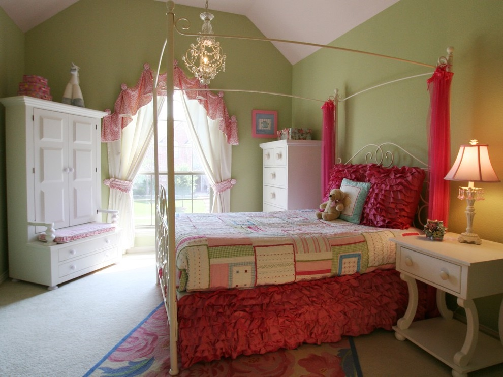 Traditional Bedroom Transform to Girl Bedroom