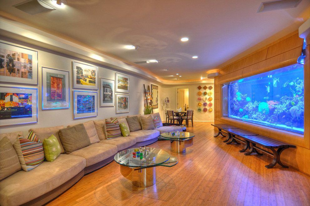 Wall Art And Aquarium Decor For Modern Living Room (Image 21 of 21)