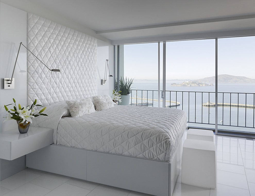 White Bedroom Apartment Decoration (Image 15 of 16)