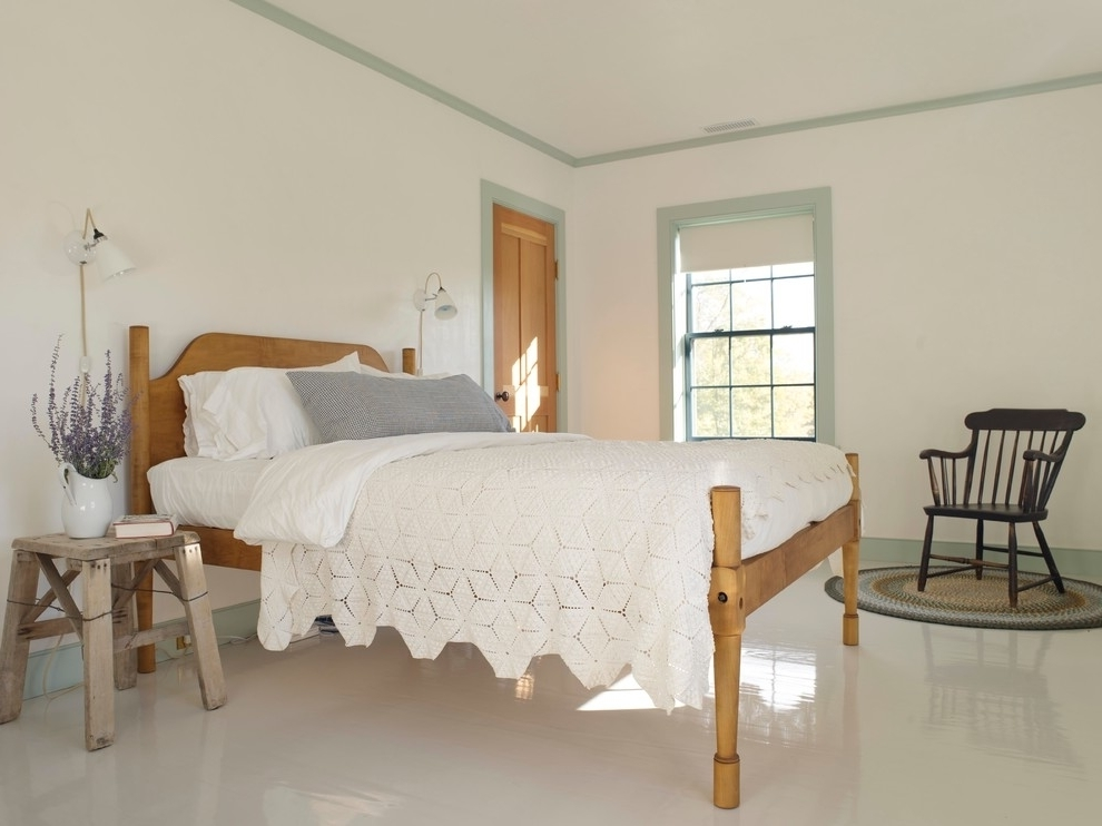 White Farmhouse Bedroom Design (View 14 of 22)