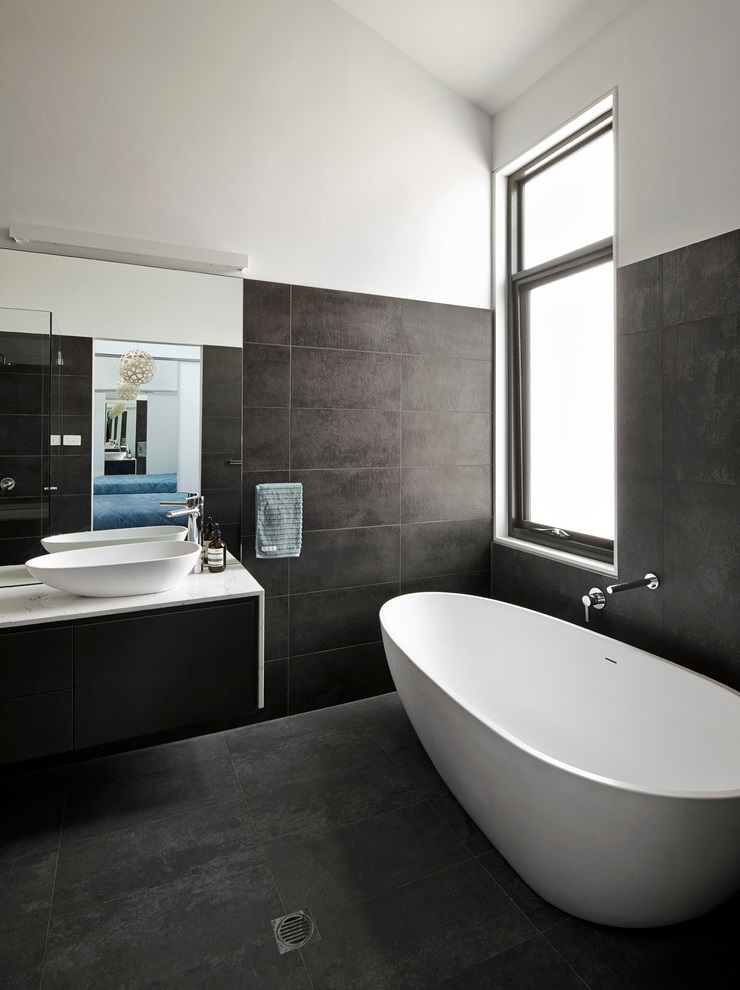 2016 Black-White Master Bathroom with a Vessel Sink