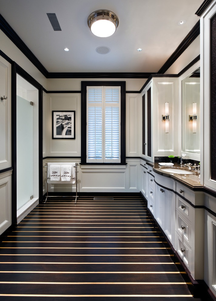 Black And White Bathroom Decor With Black And White Flooring (Image 4 of 10)