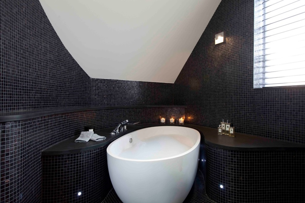 Black And White Bathroom Ideas For  (Image 5 of 10)