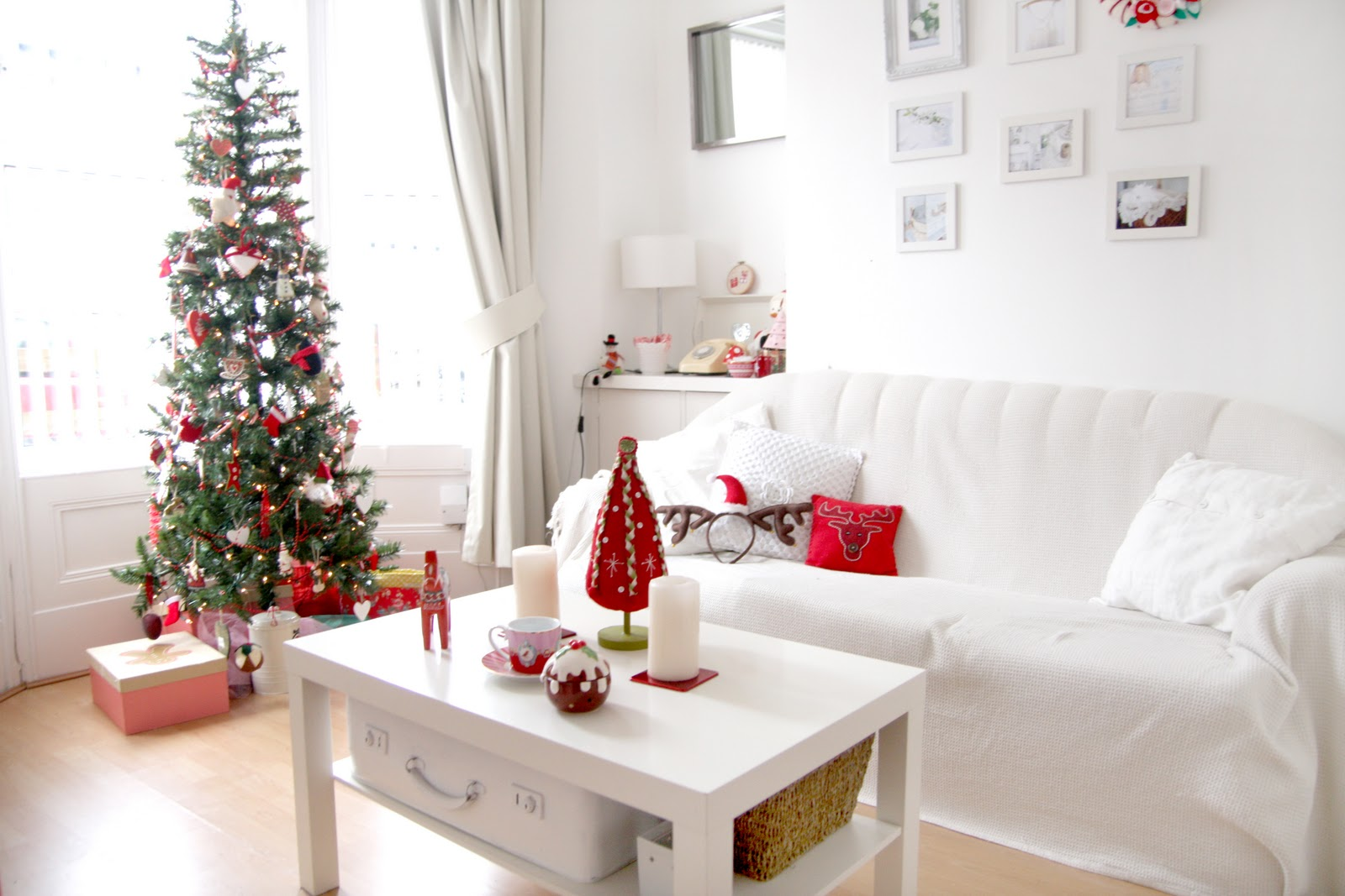 Cozy Christmas Living Room Decor Ideas Find Great Custom Home Design Ideas Decor Advice And Inspiration