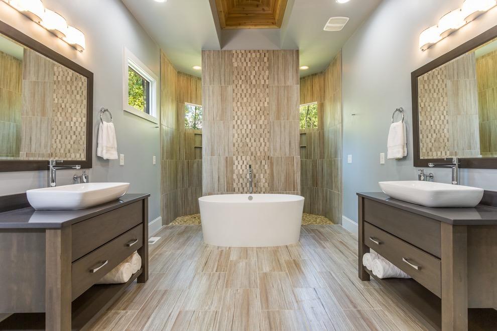 Luxury Bathroom Design (View 2 of 9)