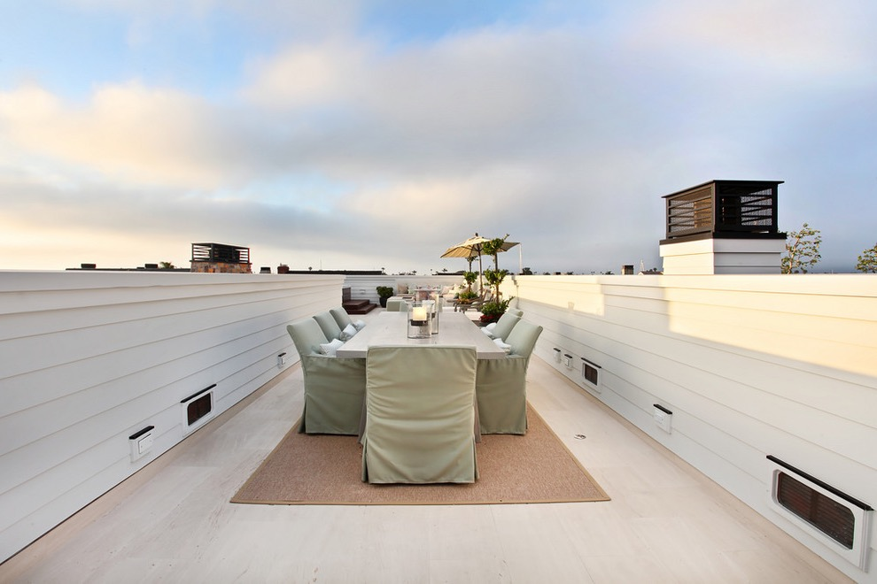 Minimalist Rooftop Decor For Wedding Party (View 2 of 15)