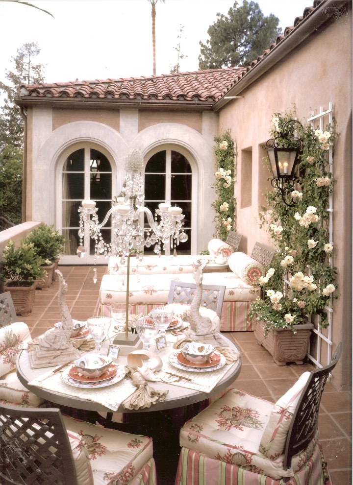 Simple Traditional Furniture For Garden Wedding (Image 13 of 15)