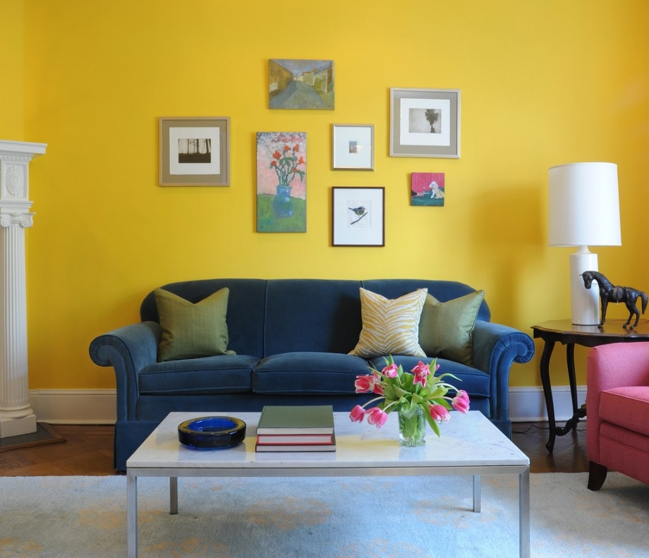 Yellow Accent Wall And Cute Living Room Gallery Photos Decor Feat ...