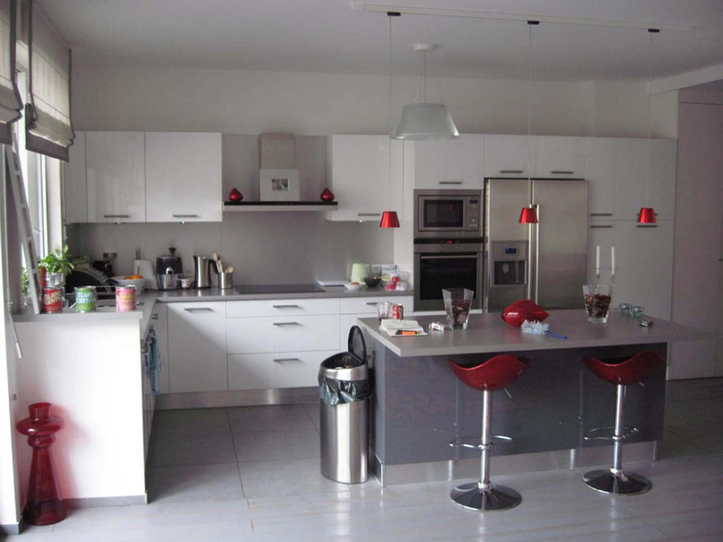 Kitchen Decoration White Grey Spacious France (View 24 of 31)