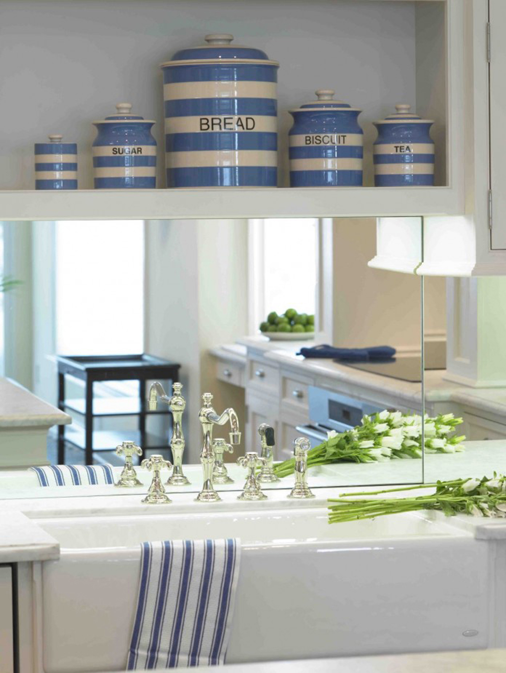 Modern Kitchen Irresistible Sophisticated Coastal Modern Kitchen Inspiration With Modern Decor Exquisite Coastal Modern Kitchen Interior Ideas (View 14 of 31)