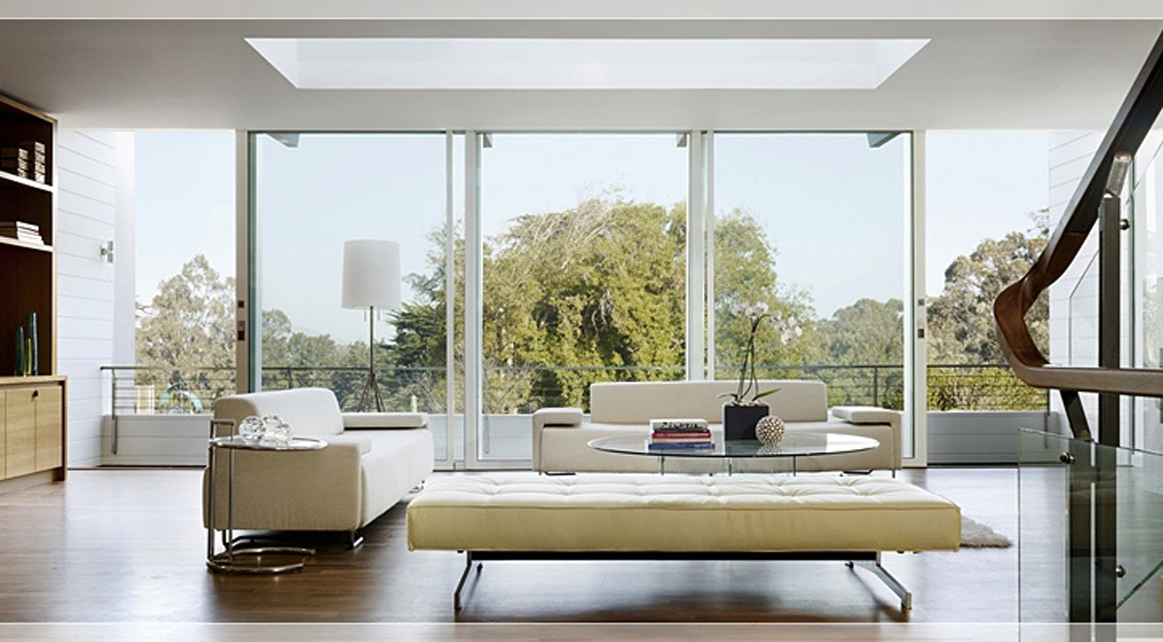 Modern Living Room Decoration Astounding Ceiling Window Skylight And Glazed Window With Beautiful View Astonishing Living Rooms Design With Ceiling Window Skylight (Image 3 of 30)