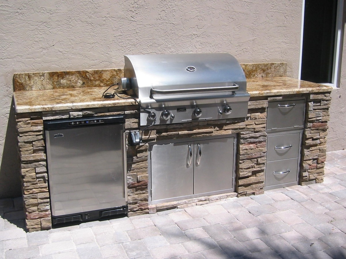 Outdoor Kitchen Island With Marble Countertop Stainless Steel Kitchen Appliance Gas Cooker Roaster Draining Board Microwave Drawers With Nickle Handle Doors Food Storage Cabinet Concrete (Image 17 of 20)