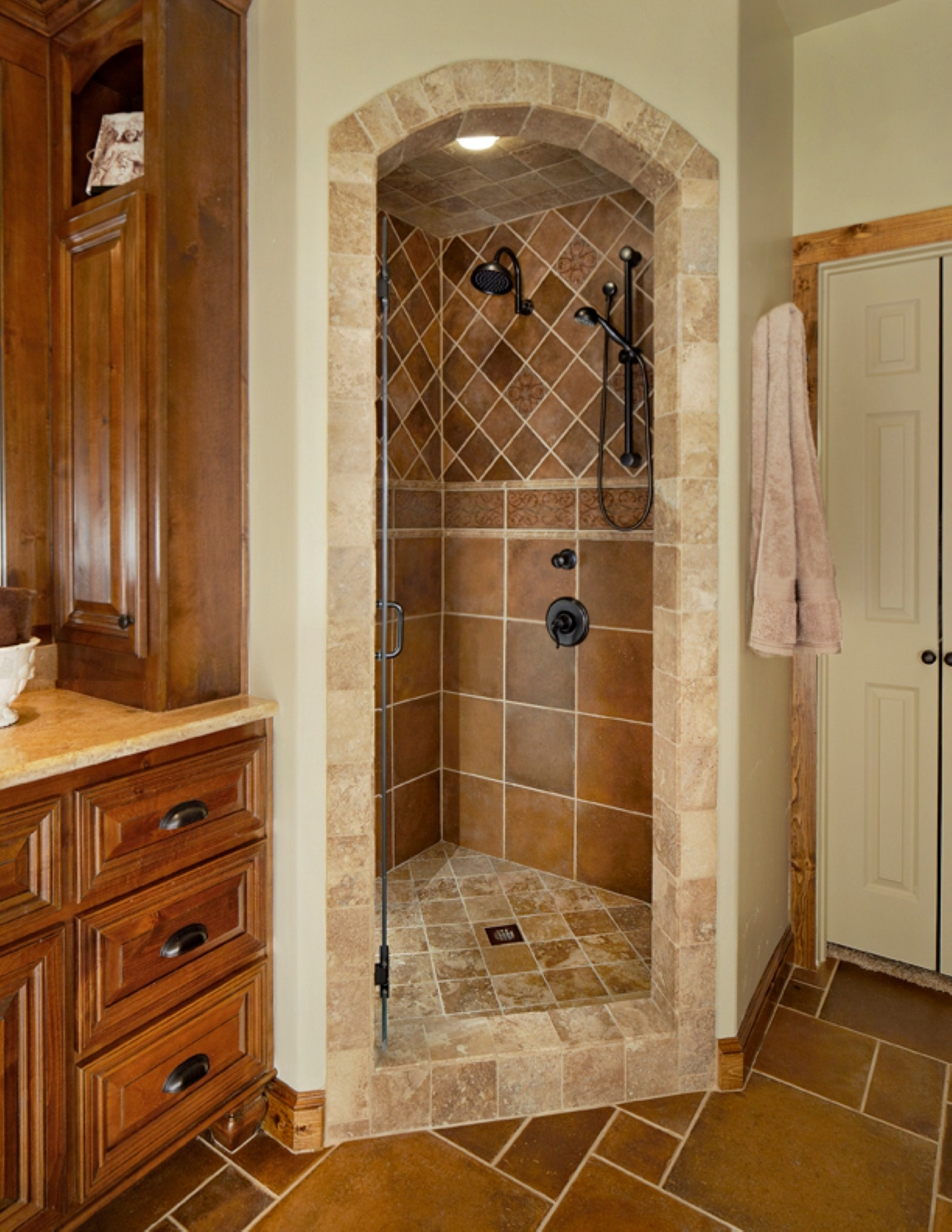Stylish Bathroom Renovation Ideas With Chic Design Ideas Which Gives A Natural Sensation For Comfort Of Bathroom (Image 13 of 23)