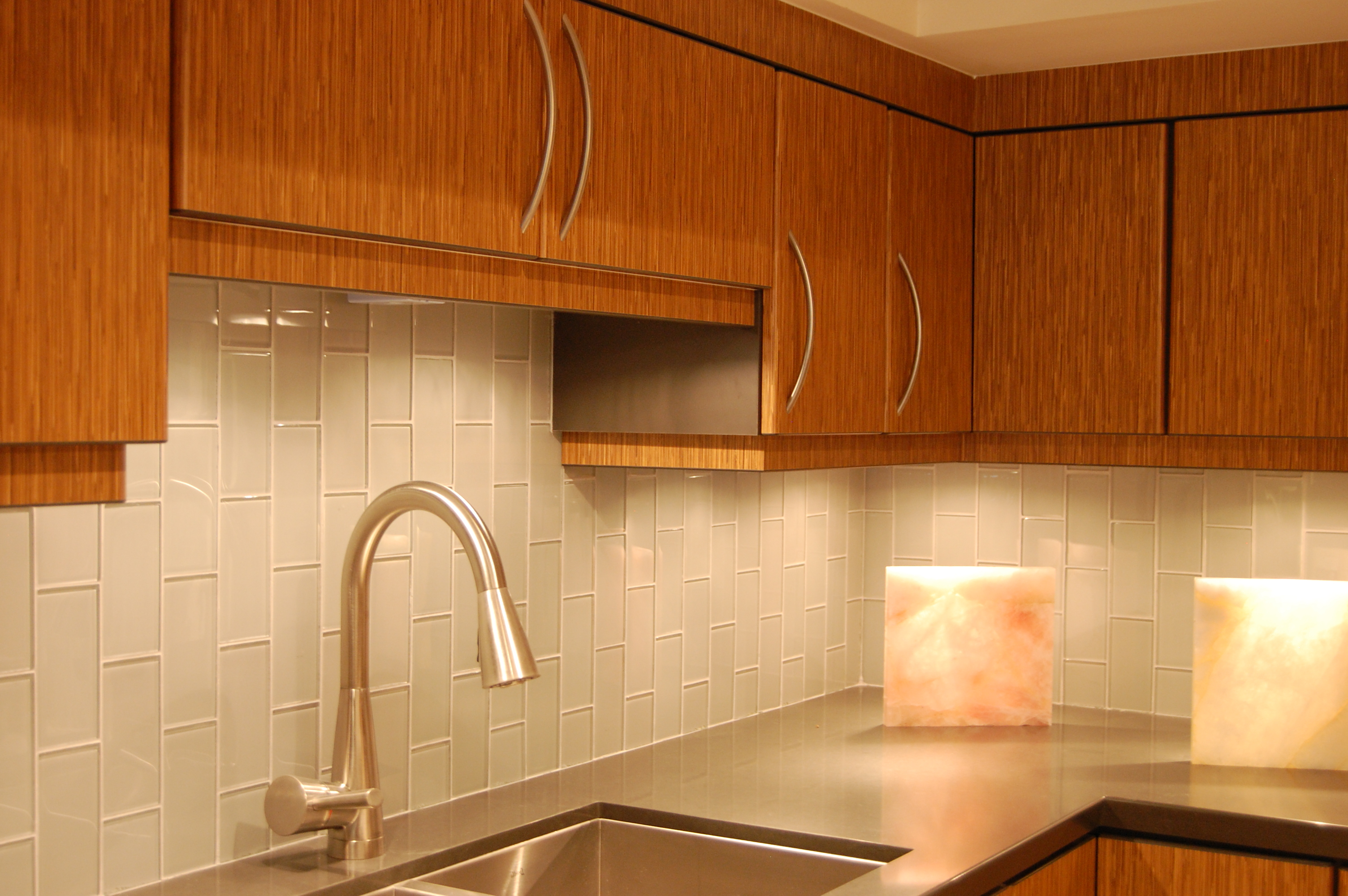 Kitchen Backsplash Pictures Of Subway Tile For Kitchen Decorations Ornament Ideas Backsplashes Wall Ceramic Kitchens How To Patterns Travertine Mosaic Wholesale Flooring Subway Tile (View 8 of 38)