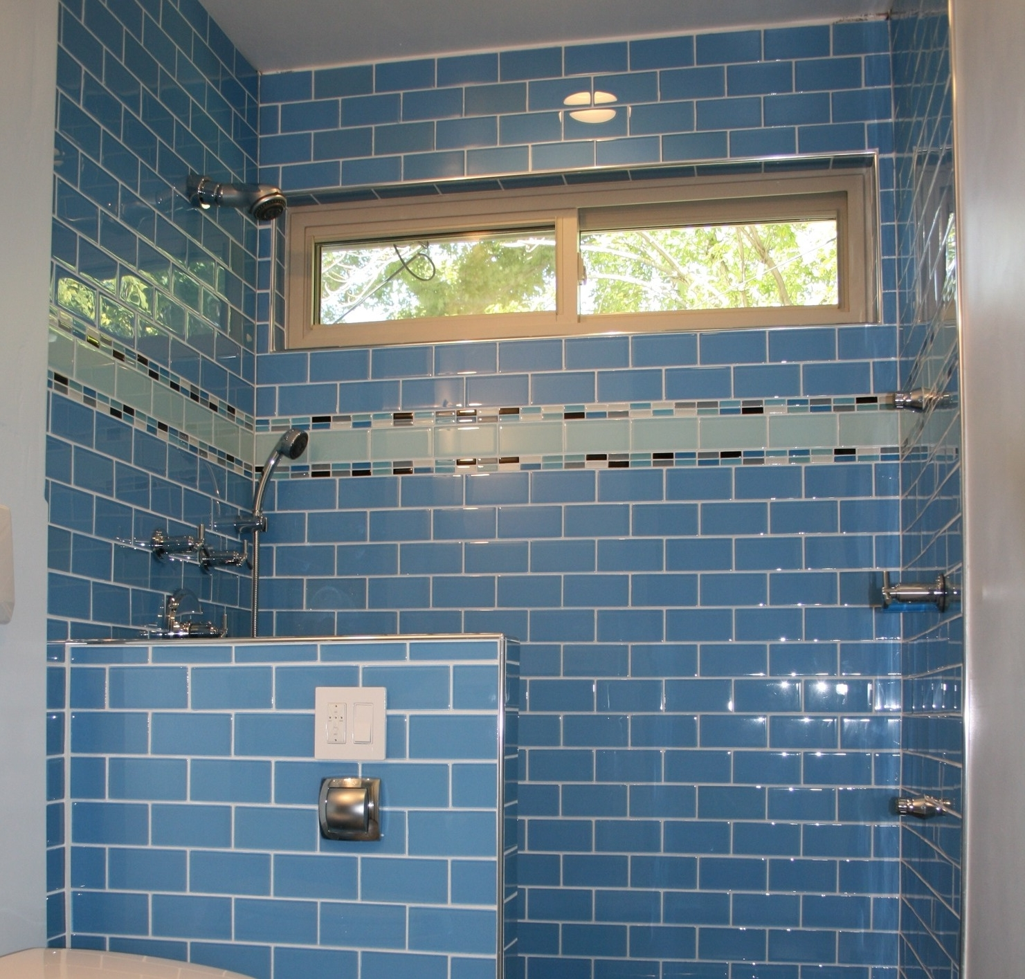 Kitchen Beauty Subway Tile For Kitchen Decorations Ornament Ideas Outlet Backsplash Bathrooms Beveled Shower Tiles You Need To Subway Tile For Kitchen Your Way To The Top And Here (Image 27 of 38)