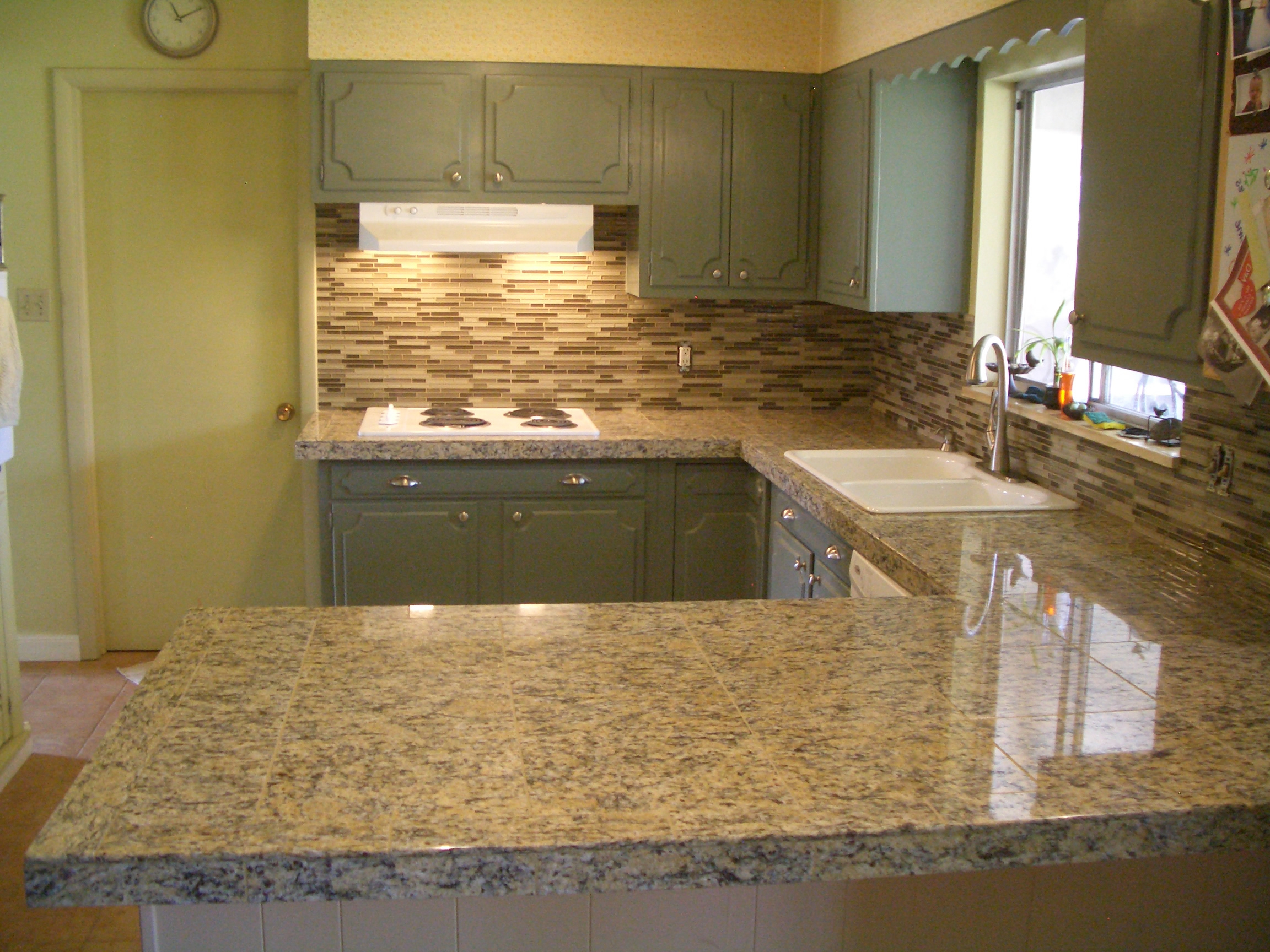 Kitchen Beige Stack Glass Tile Backsplash Porcelain Tiles Ideas Wall How To Decorate A Subway Tile For Kitchen Decorations Ornament Ideas Pictures Saltillo In Install Design Ceramic (Image 28 of 38)