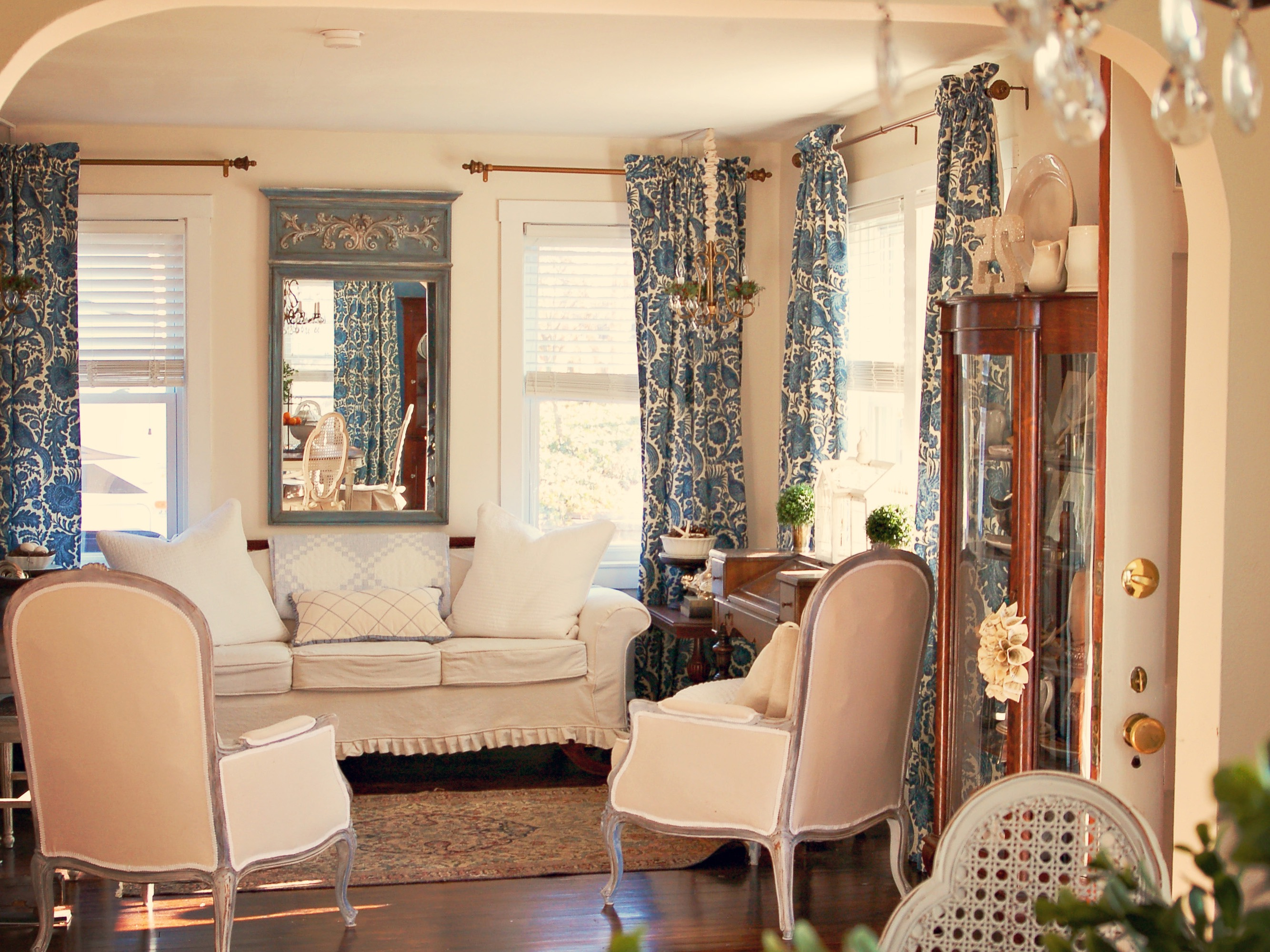 Blue And Cream French Country Living Room (Image 2 of 18)