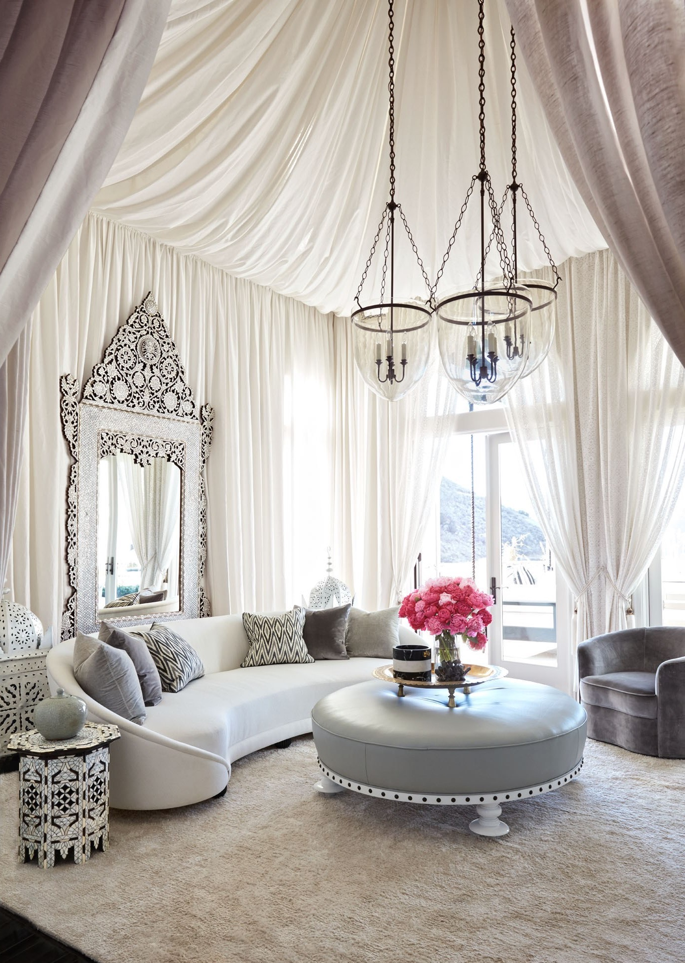 Classic Elegant Moroccan Living Room With Beautiful Ceiling (View 21 of 25)