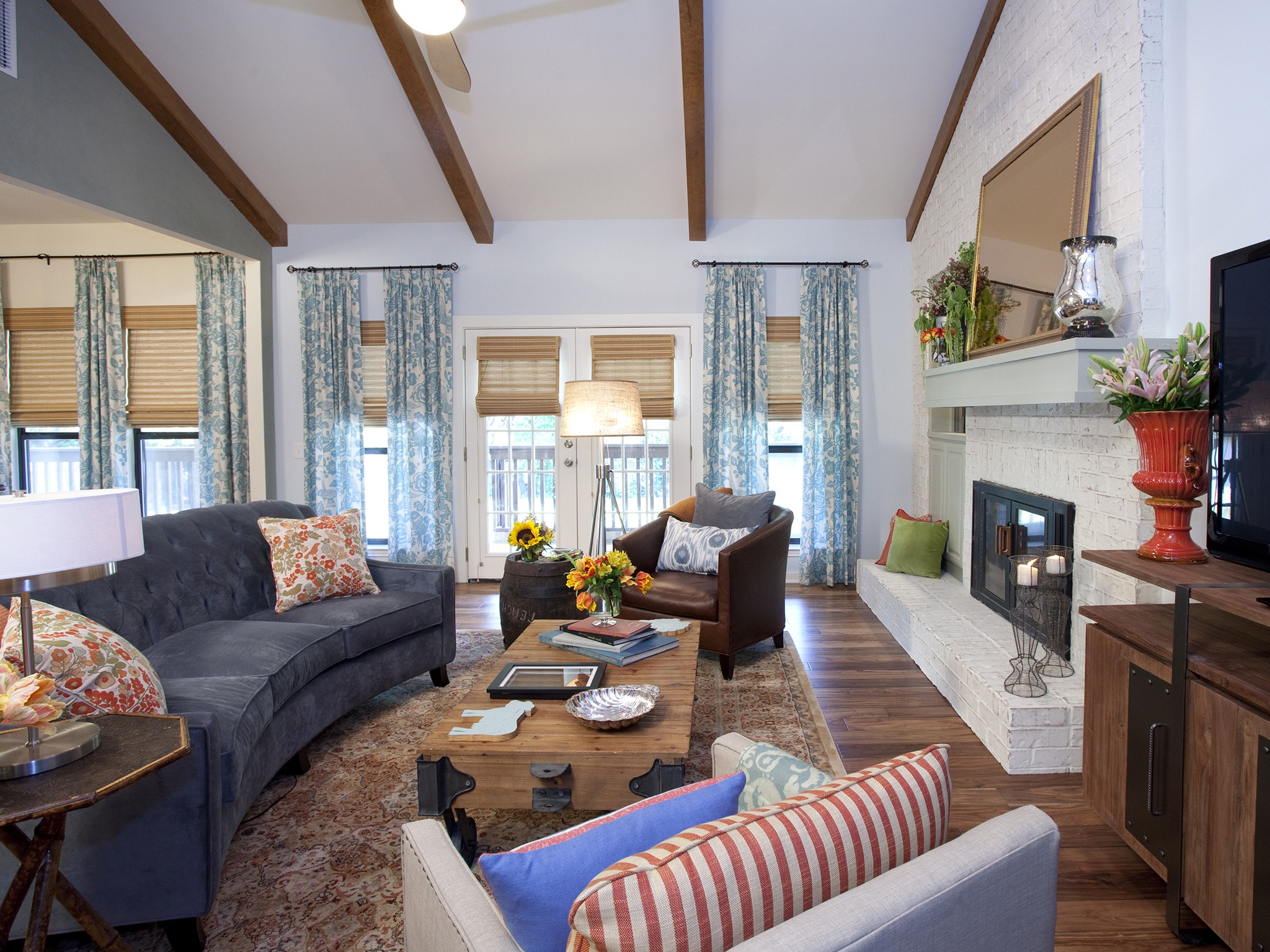 Updated Country Living Room With Navy Sofa (Image 17 of 18)