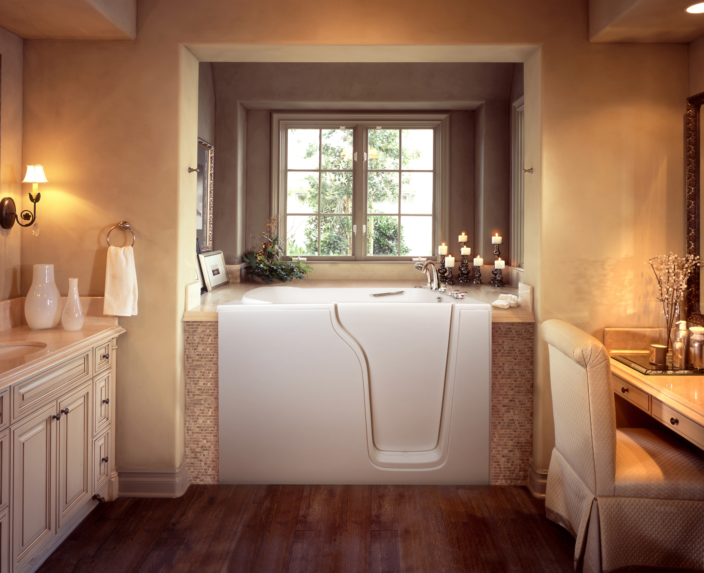 Best Modern Minimalist Walk In Tub (Image 1 of 15)