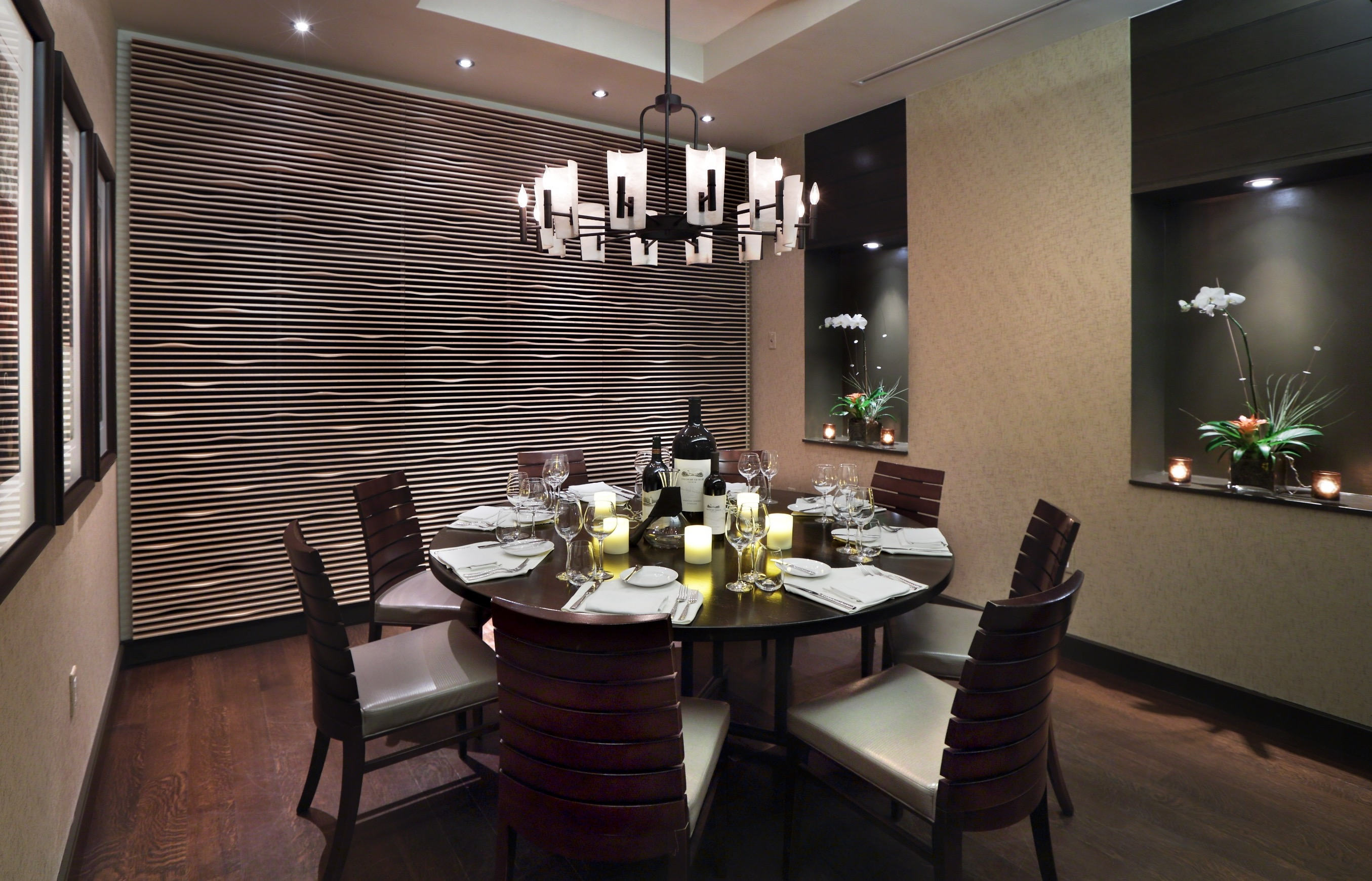 Contemporary Dining Room With Black Chandelier (Image 4 of 10)