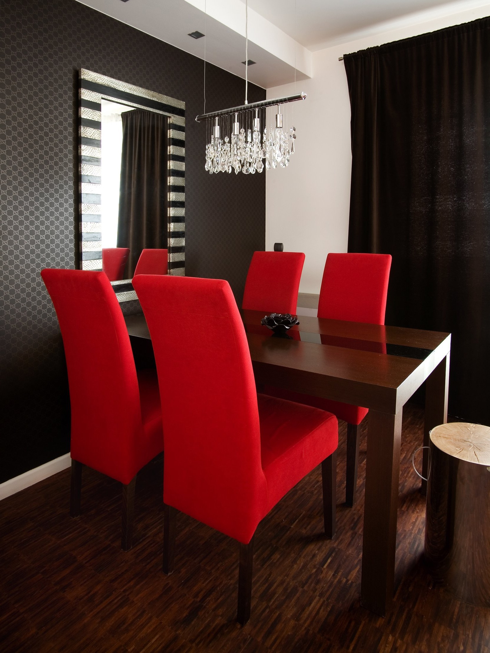 Contemporary Dining Room With Cushioned Red Chairs (Image 3 of 11)