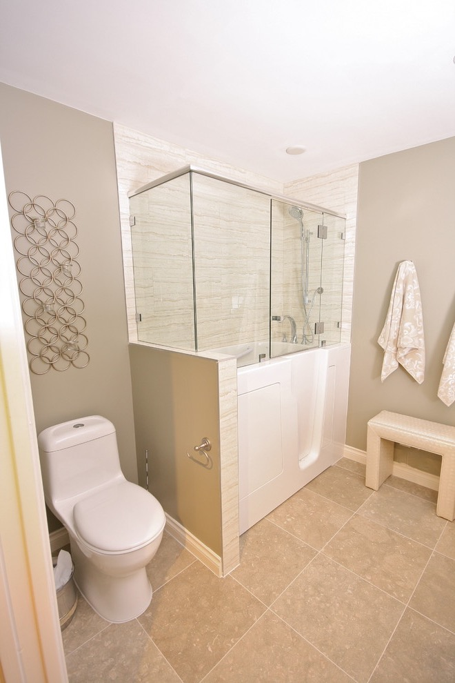 Contemporary Minimalist Walk In Tubs With Door And Seat (Image 4 of 15)