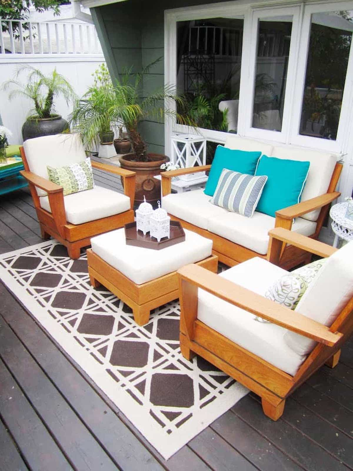 Geometric Pattern Outdoor-Rugs-for-Patios-Area
