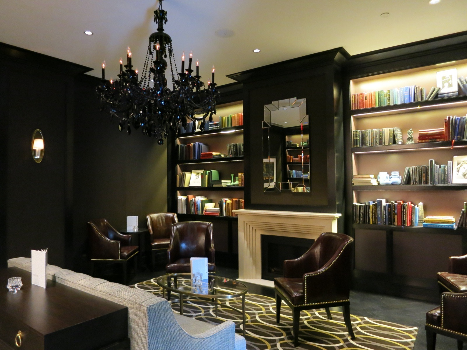 Glossy Black Chandelier For Modern Living Room (Image 6 of 10)