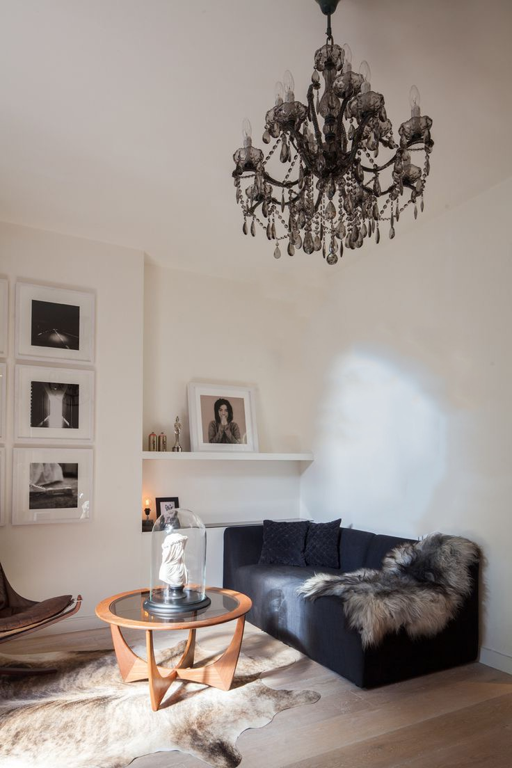 Modern Black Chandelier For Cozy Minimalist Living Room (Image 7 of 10)