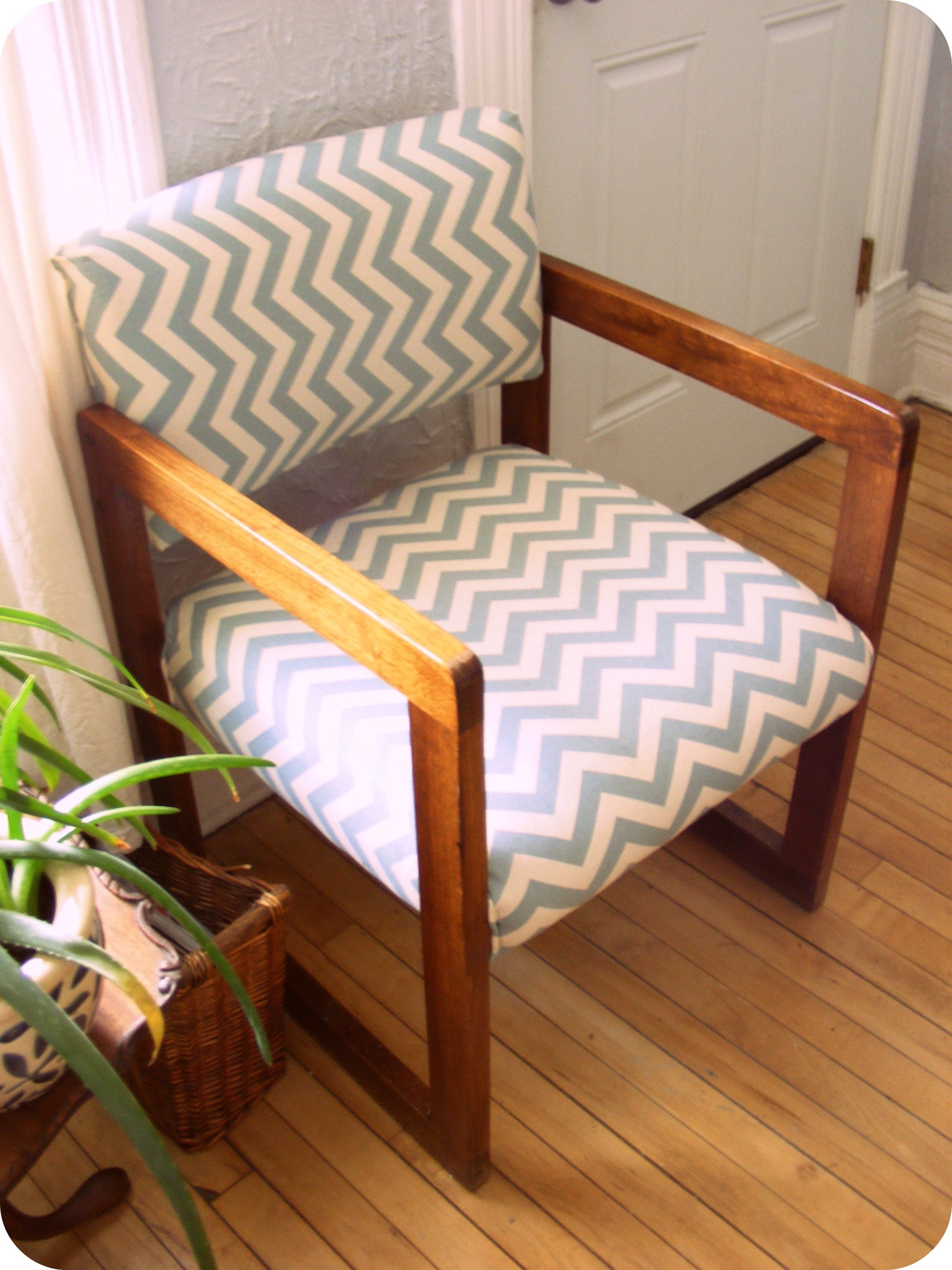 Modern Chair Cushions Stripped Pattern (Image 9 of 11)