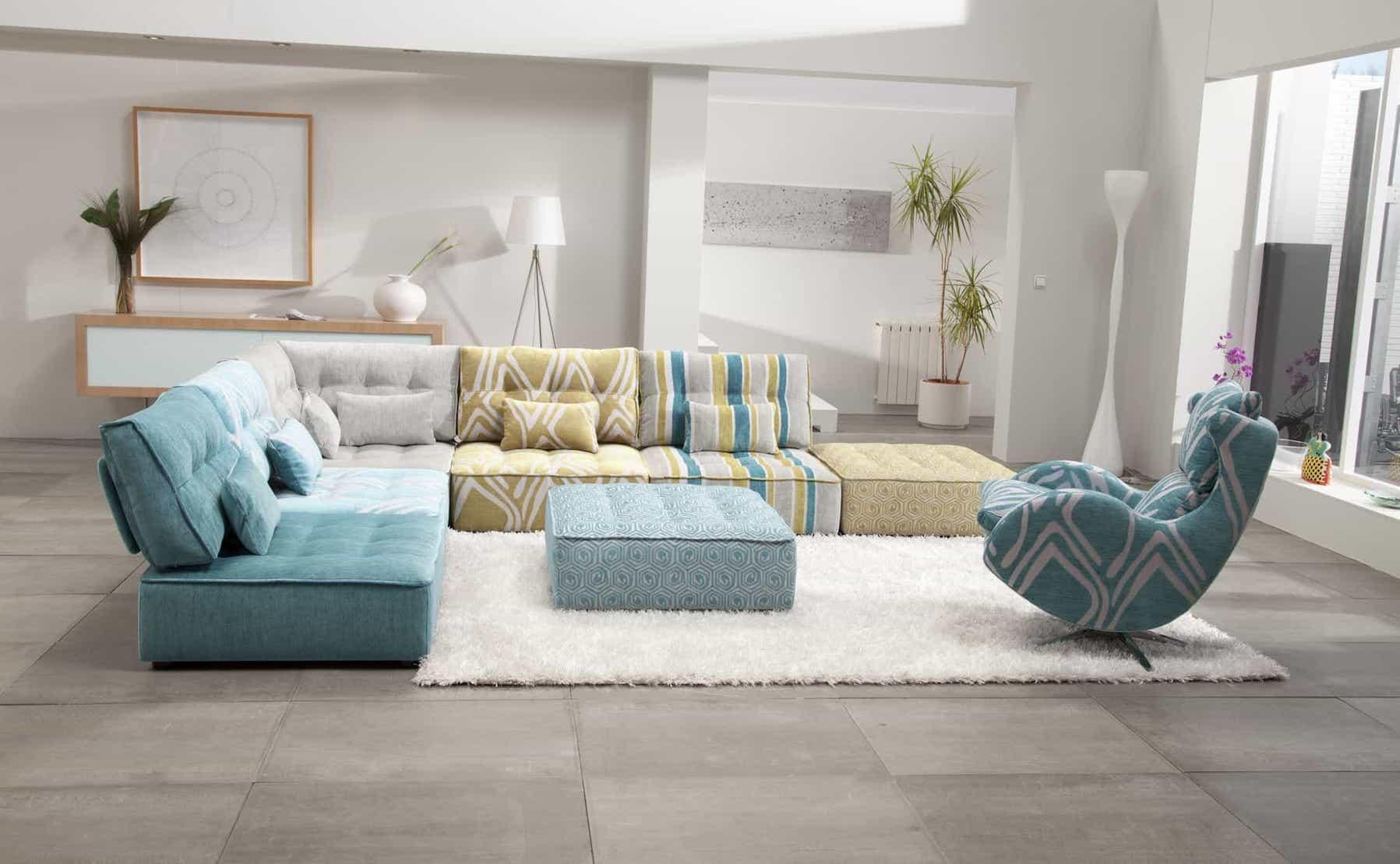Modern Flokati Rug Decor For Colorful Living Room (View 5 of 10)