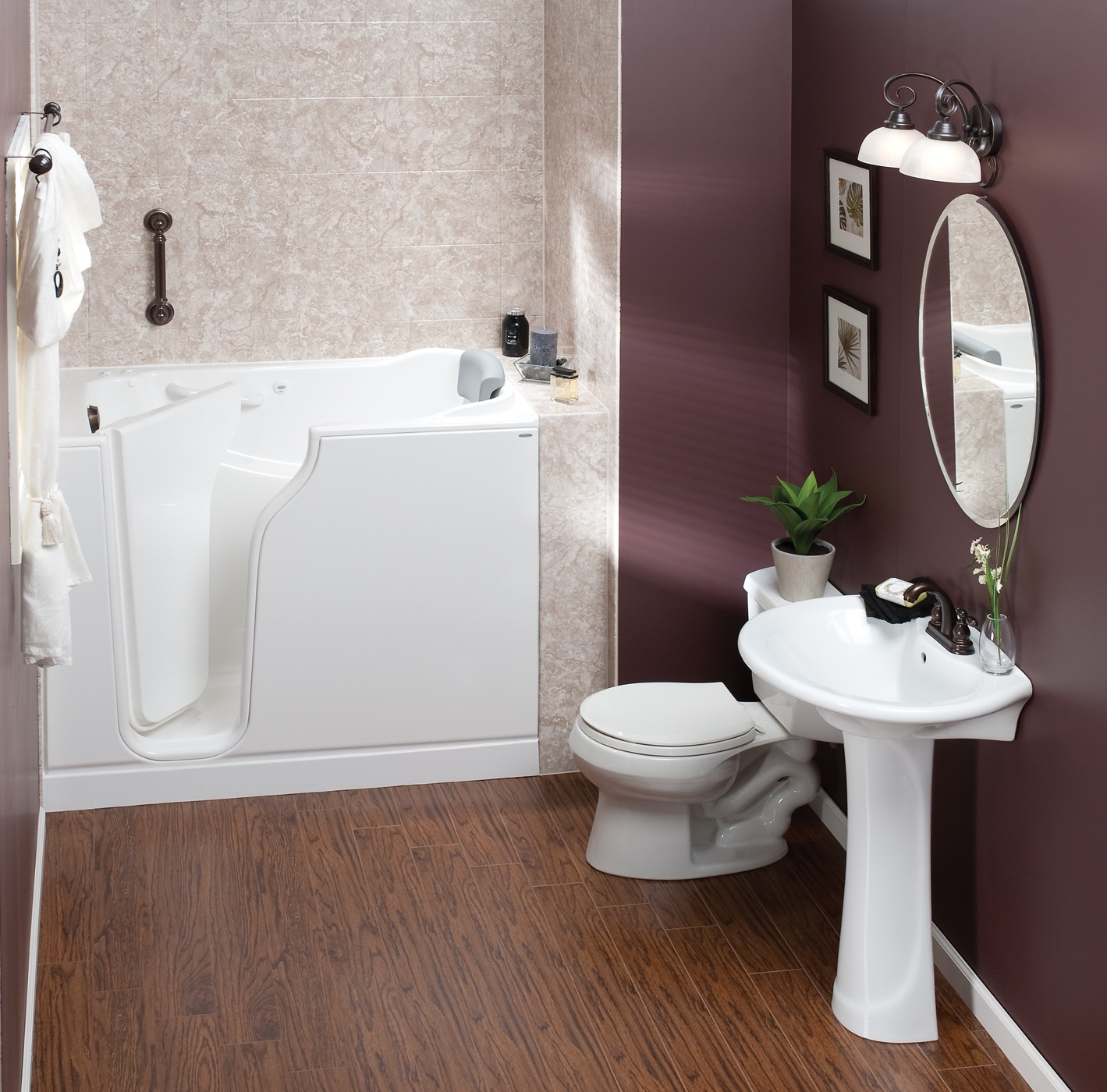 Modern Small Walk In Tubs Bathroom Interior (View 7 of 15)