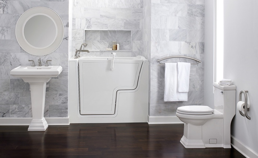 Modern Walk In Tubs And Toilet For Small Space (View 9 of 15)