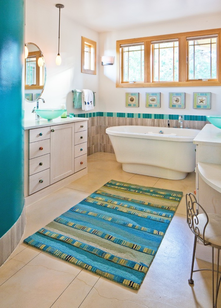 Pop Color Rug Decor For Shabby Chic Bathroom (View 2 of 15)