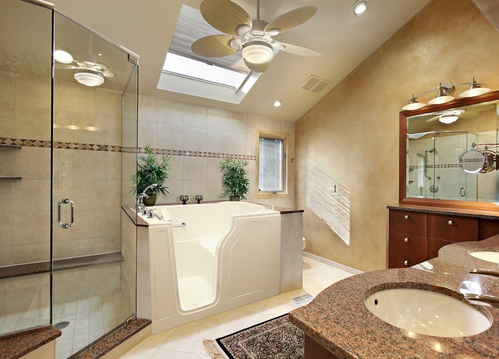 Featured Image of 15 Stunning Walk In Tubs Design Ideas