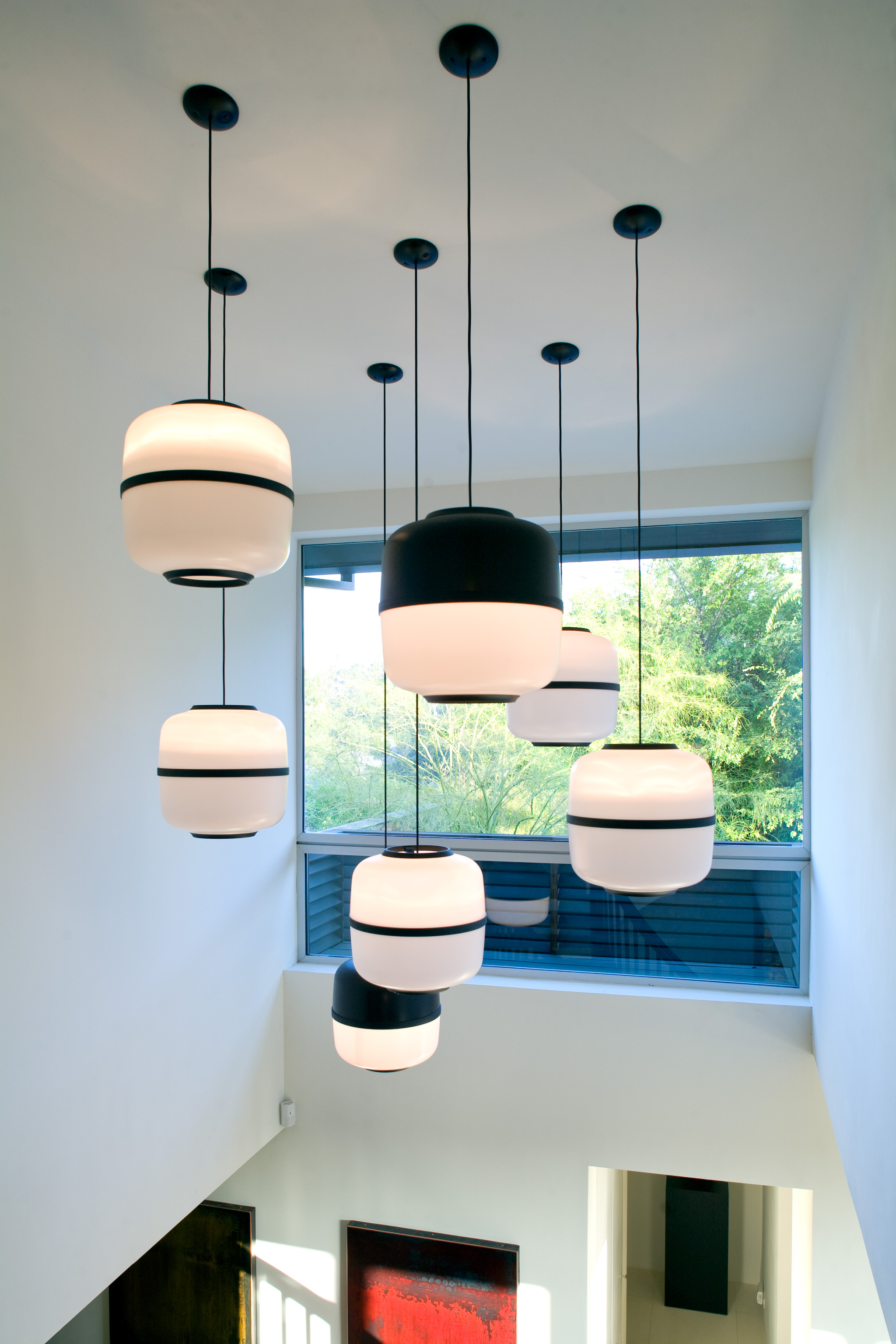 Wonderful Urban House With Black White Hanging Lights (View 20 of 20)
