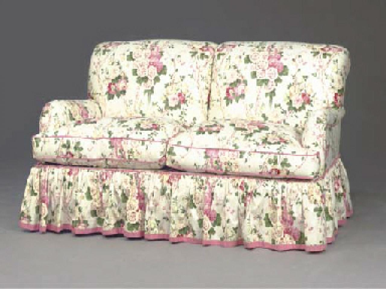 28+ [ Floral Sofa ] | Happy Quot Cow Quot Ches Chameleon Style 174 regarding Chintz Covered Sofas