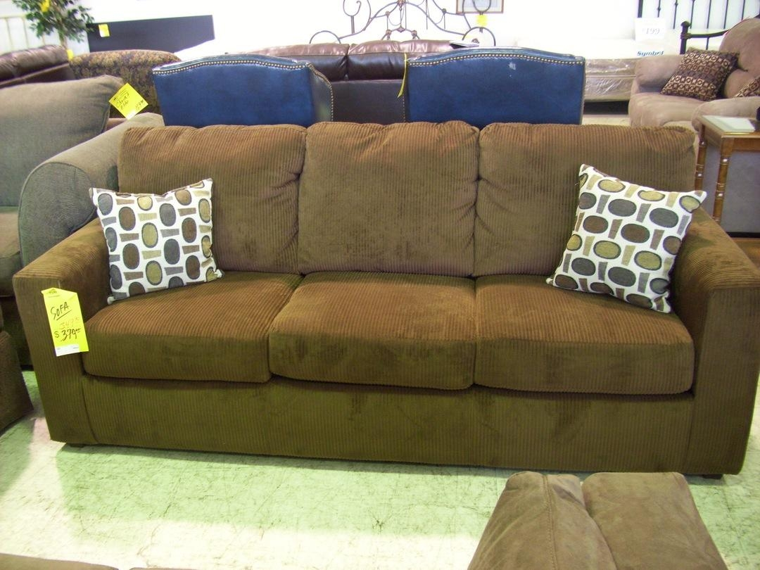 A Brown Couch What Color Throw Pillows For Leather Charcoal Sofa With Brown Corduroy Sofas (Image 1 of 20)