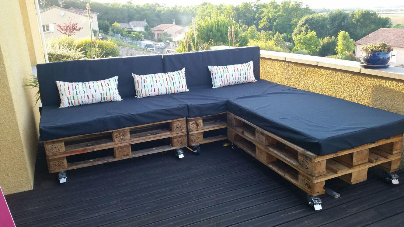 A Classic Garden Pallet Sofa • 1001 Pallets With Regard To Pallet Sofas (View 2 of 20)